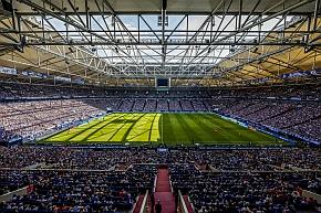 Innenraum VELTINS-Arena beim Spiel S04-Mainz am 22.8.2015 Saison 2015/2016