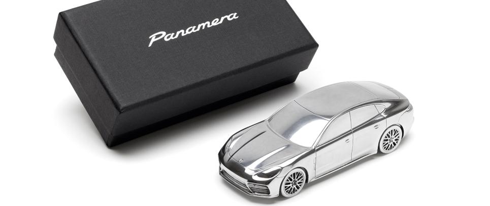 """TRIK Metal Car Panamera nm - """"Die haptische Kommunikation ist eine angenehme Pflicht"""""""